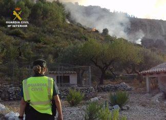 Detienen a un hombre de 80 años por provocar cuatro incendios en la Marina Alta