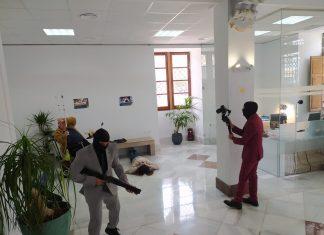 La Guardia Civil de Alginet asalta el rodaje de una serie al confundirlo con un atraco