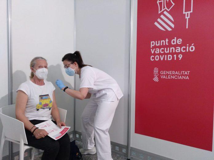 Los 4 grupos que recibirán la vacuna esta semana en la Comunitat