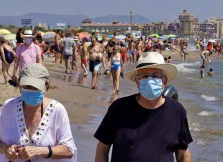 Las calles de Valencia se llenan de turistas tras el fin del estado de alarma