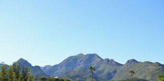 Buscan a un senderista desaparecido en la montaña de Xeraco