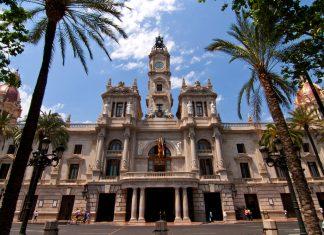 El balcón del Ayuntamiento reabrirá sus puertas al público