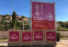 Donación de jeringuillas de la Fundación Hortensia Herrero en el centro de vacunación de Alicante.