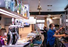 La hostelería valenciana pide abrir hasta media noche y aumentar aforos
