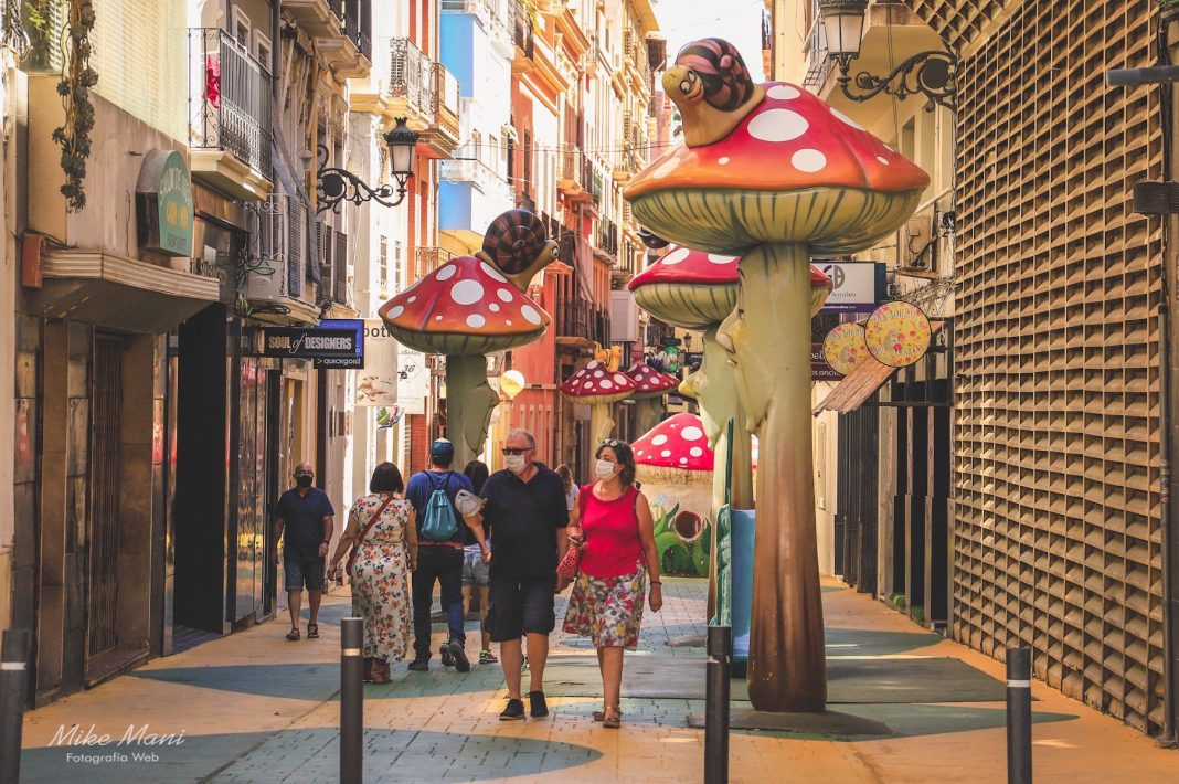 La calle de las setas, una vía de fantasías con sello valenciano