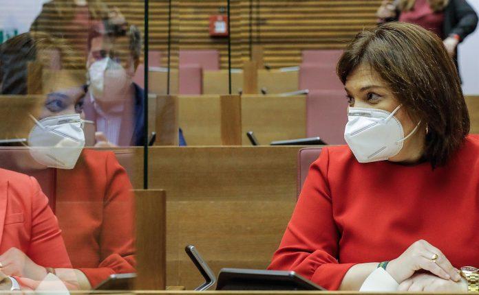 Isabel Bonig en una sesión de control. / Rober Solsona (Europa Press)