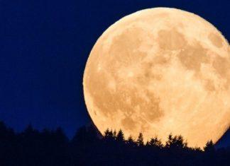Una luna de sangre y una superluna de flores iluminarán Valencia
