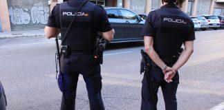 Salvan a un hombre de desangrarse en plena calle de Valencia