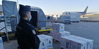 Dos aviones con vacunas Pfizer aterrizarán cada semana en la Comunitat
