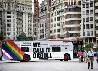 Valencia sale a la calle para celebrar el Día del Orgullo Gay
