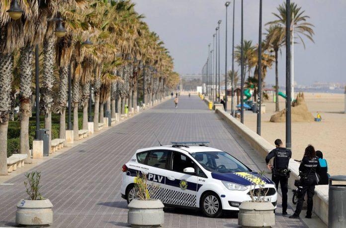 Valencia vallará 20 kilómetros de playas para evitar la Noche de San Juan