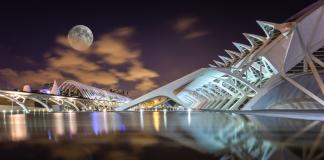 """La superluna """"de fresa"""" iluminará este jueves la ciudad de Valencia"""
