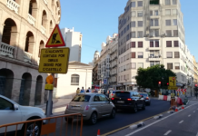 La calle Alacant se cierra al tráfico por las obras de la línea 10 del metro