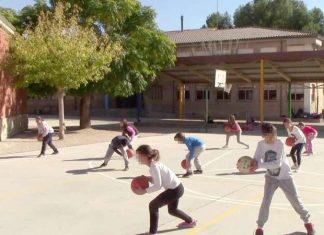 Una escuela de verano cierra temporalmente tras confirmar un brote de coronavirus