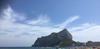 Denuncian a un socorrista por masturbarse mientras vigilaba una playa valenciana