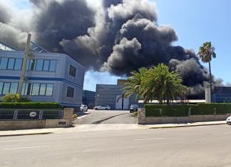 Más de cien personas desalojadas en un incendio de Picassent