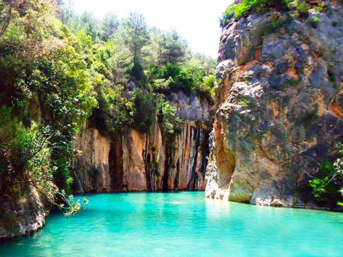 La Fuente de los Baños, un paraíso acuático para huir del calor