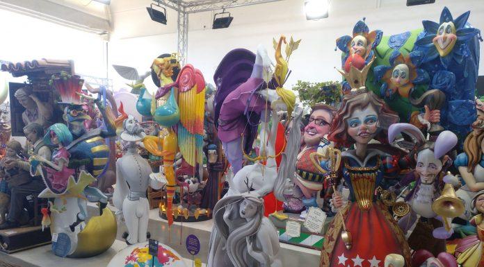 La Base de la Marina de València alberga los 700ninots de las diferentes comisiones en la Exposición del Ninot 2021