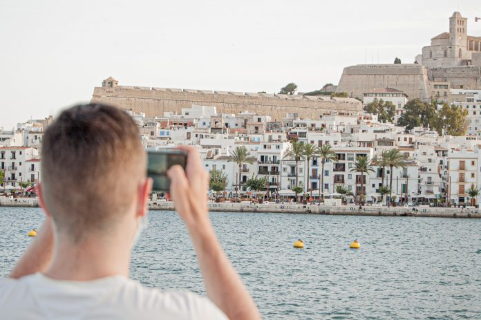 Viajar a Baleares desde Valencia: ¿Cuáles son los requisitos para entrar en las islas?