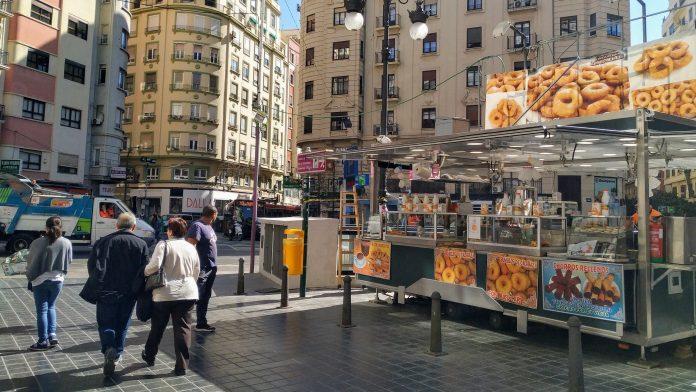 Las churrerías ambulantes salen a la calle bajo fuertes controles sanitarios