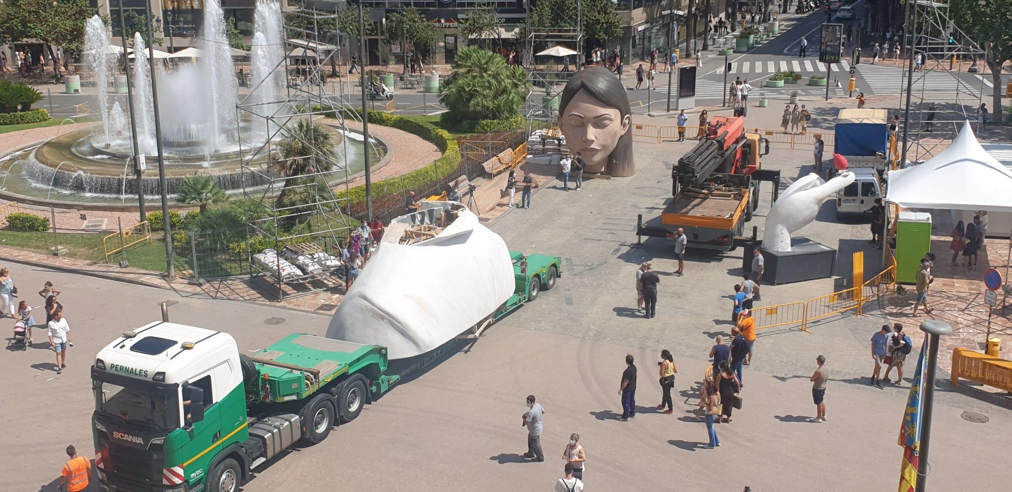 La Meditadora regresa a la Plaza del Ayuntamiento