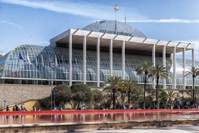 Piden la dimisión de la concejala de Cultura por el abandono del Palau