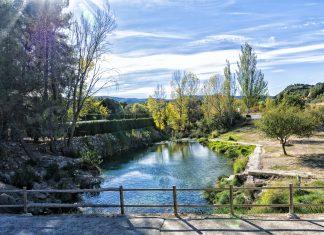 El Pozo de las Escaleras, un paraíso para bañistas en el nacimiento del río Tuéjar