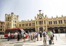 """El coronavirus pierde fuerza y la Comunitat Valenciana pasa a """"riesgo bajo"""""""
