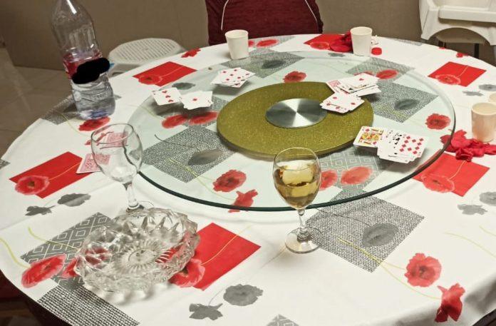 partida ilegal de póker