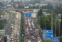 Dos accidentes colapsan los accesos a Valencia